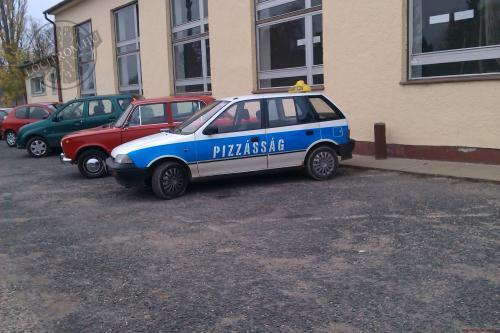Pizzssg van!
